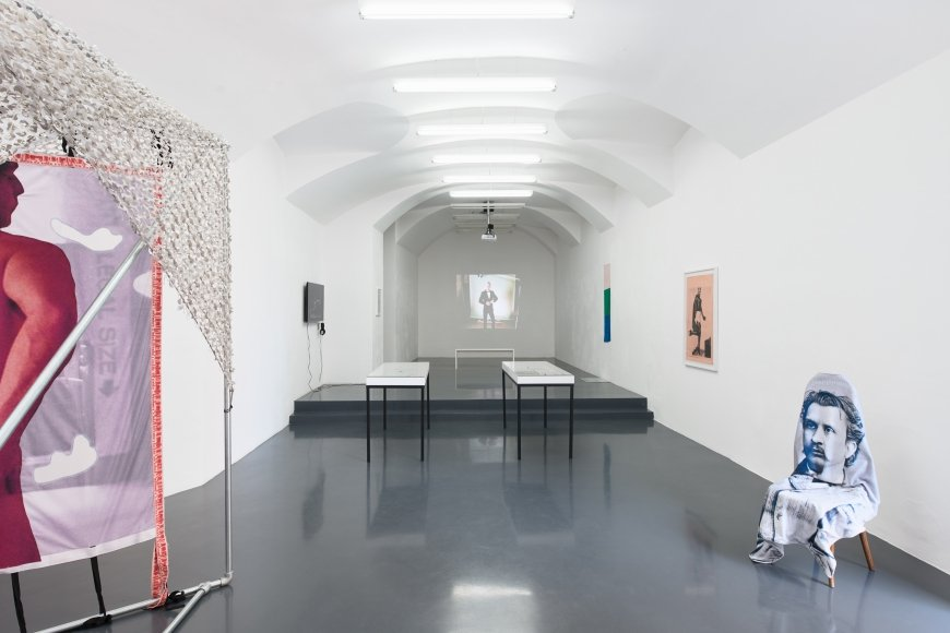 LIMP / curated by Vienna 2019, curated by Paul Clinton, Installation view, Galerie Emanuel Layr Vienna
