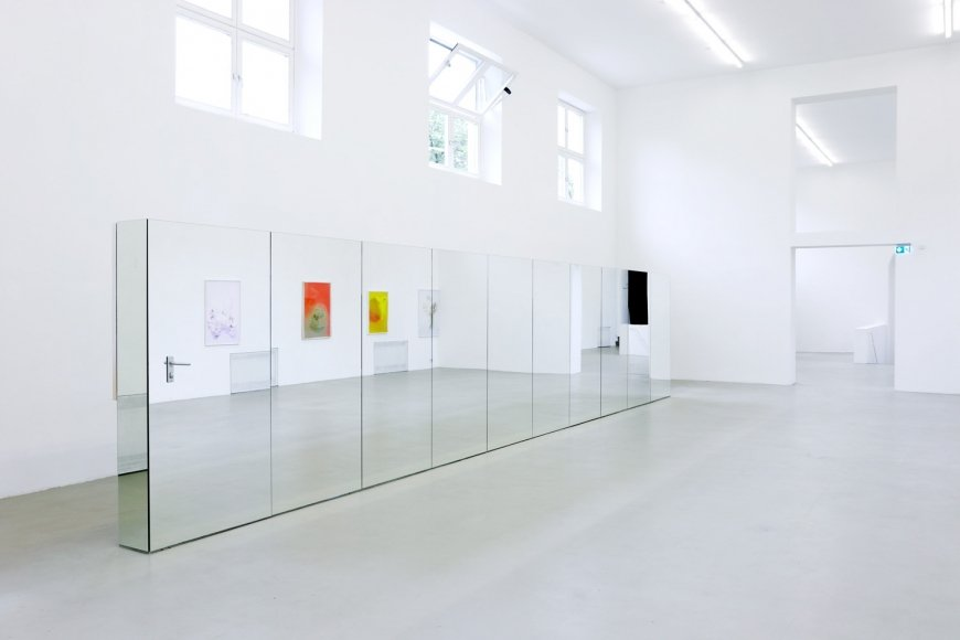 Exhibition view: Lisa Holzer, Esst mich! at Kunstverein München. 25 May - 25 August 2019.