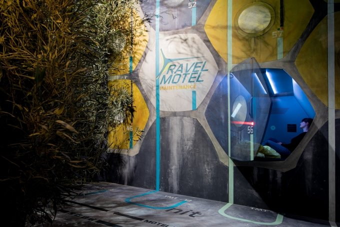 Ausstellungsansicht TRAVEL MOTEL Time's Up, Angewandte Innovation Laboratory, 2019 © Lea Dietiker