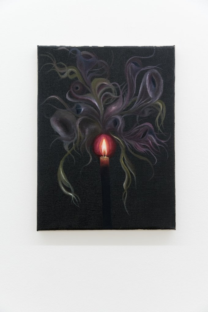 Srijon Chowdhury- Candle, 2018, oil on linen, 40,6x30,5 cm - Courtesy of the artists and Antoine, Paris