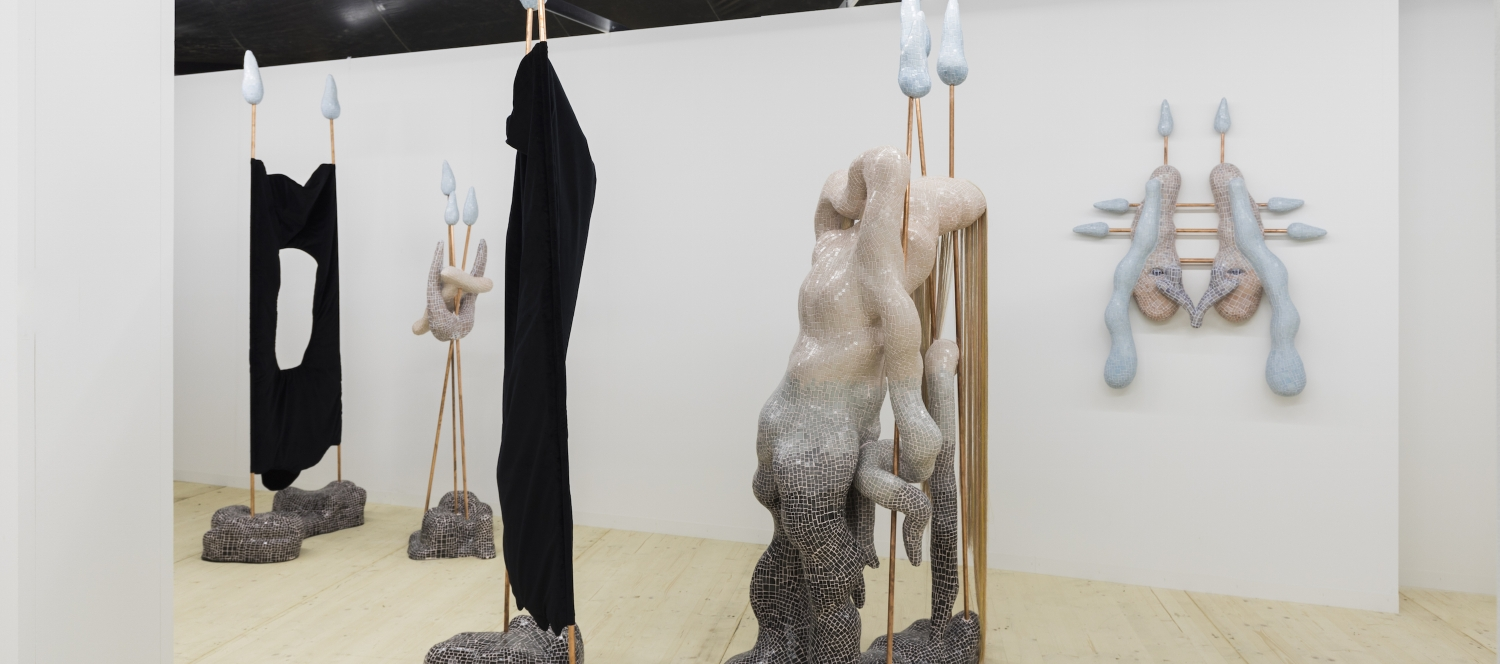 Zsófia Keresztes, Ausstellungsansicht, LISTE, 2018, Foto: Justin Meekel, Courtesy GIANNI MANHATTAN and the artist